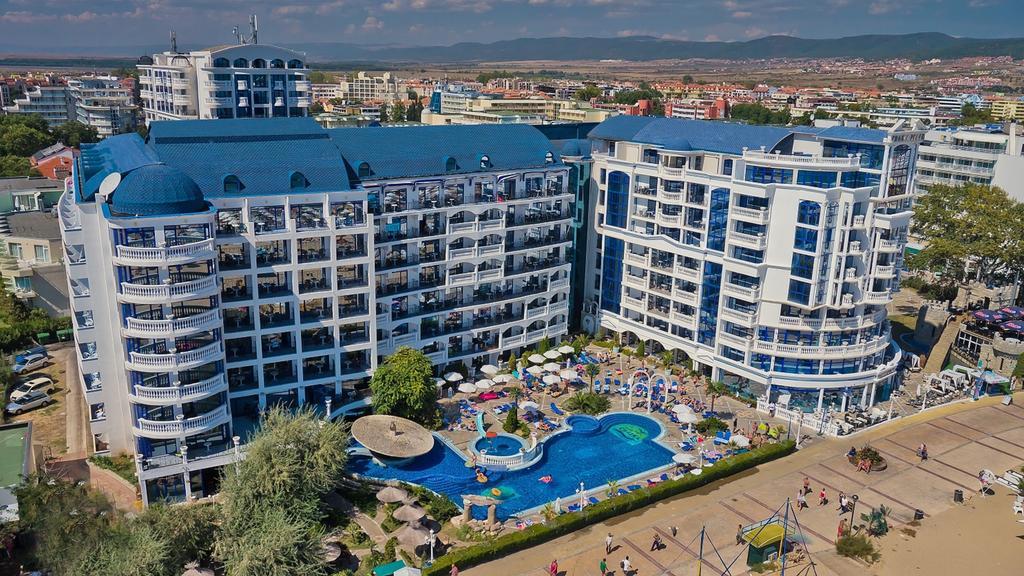 Chaika-Beach-Resort-3
