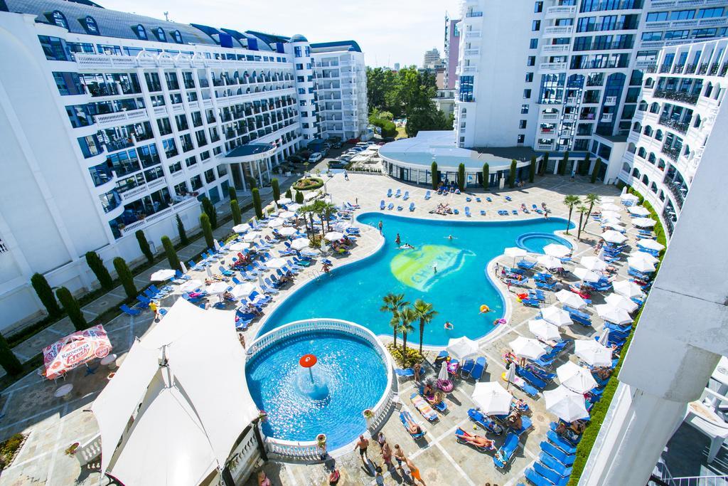 Chaika-Beach-Resort-4